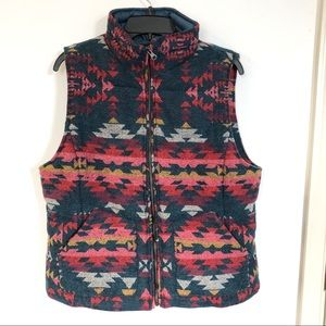 *NWT* American Eagle Vest Tribal Pattern Sz Large